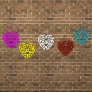 cassandre-hanging-heart